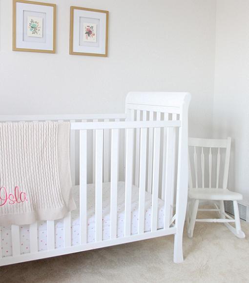Decoraci n habitaci n beb en color blanco unacasabonita - Colores habitacion bebe ...