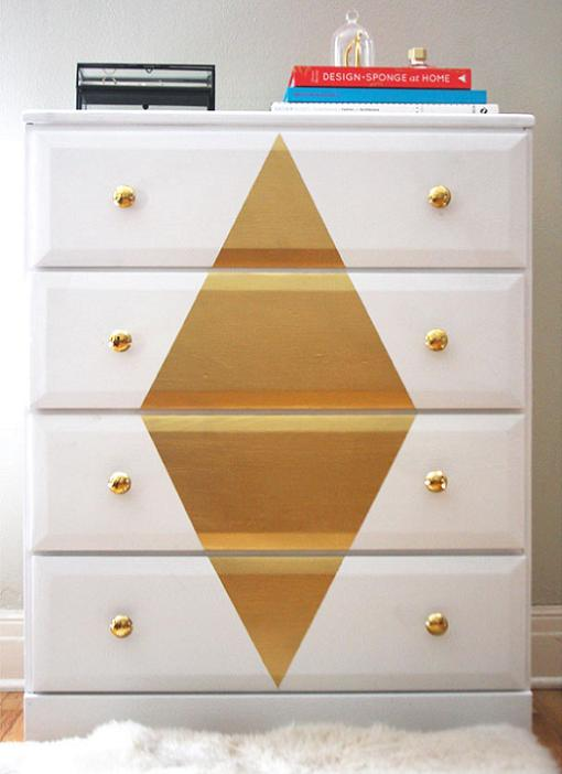 pintar comoda de blanco y dorado