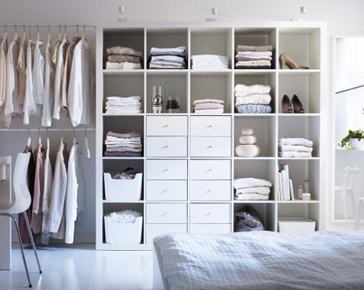 5 ideas para organizar vestidores peque os unacasabonita for Espejos vestidores de pared