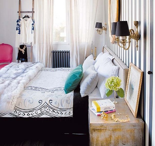 Dormitorio con papel pintando