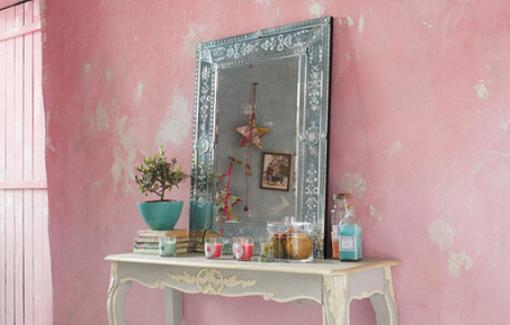 Gu a de espejos decorativos baratos para decorar el sal n for Decoracion para espejo encastrado